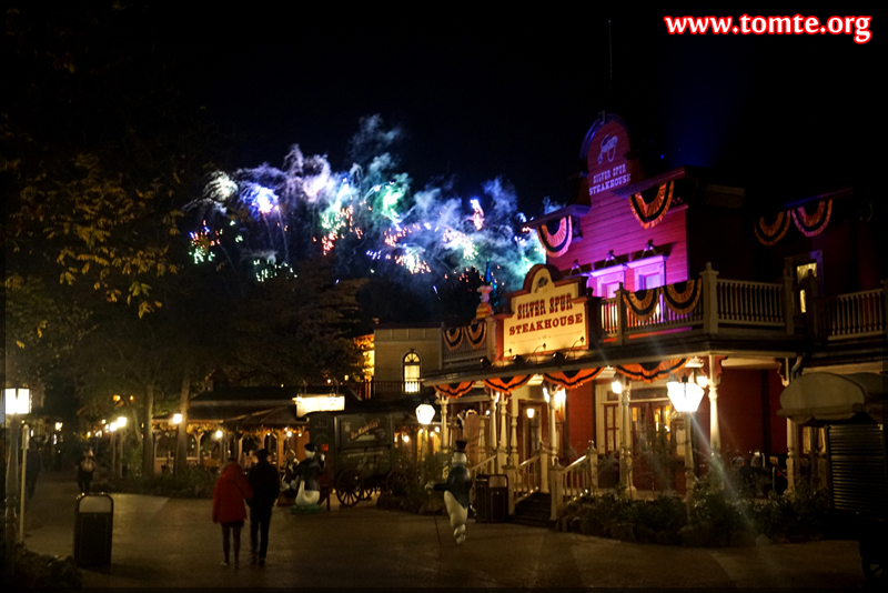 Frontierland after dark